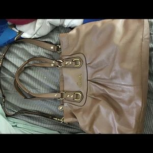 Coach purse excellent condition.